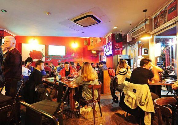 best_bars_to_watch_live_sport_-_ibiza_-_cris_kai_es_vermell_2