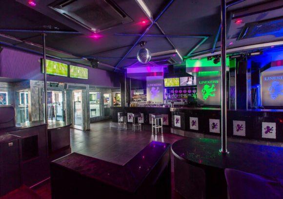 best_bars_to_watch_live_sport_-_ibiza_-_cris_kai_linekers_1