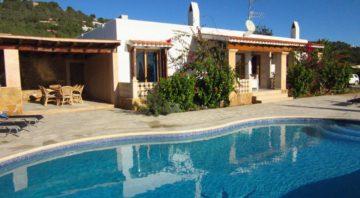 Alluring Villa in St Josep de sa Talaia With Swimming Pool