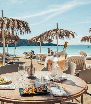 ibizadvisor_beach_cala_jondal_where_to_eat_tropicana